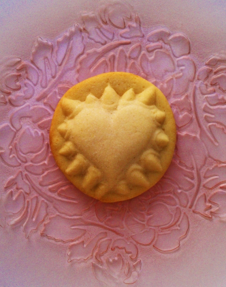 'Hurts So Good'- Hearts & Talons Valentine's Day Cookie Mold from ZANDA PANDA